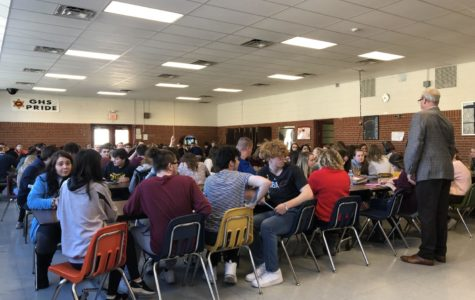 Balfour  representative meets with sophomores about class rings