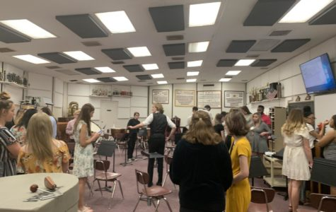 Chorus students prepare for spring concert