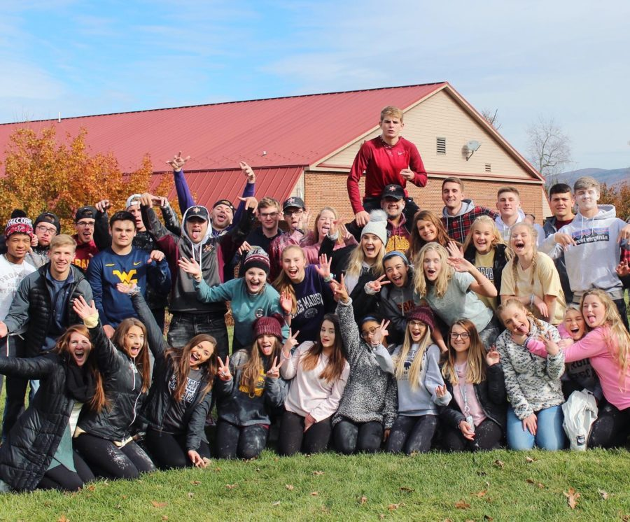 Students enjoy exciting and fun Fall Weekend trip