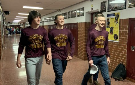 Wrestlers cheered on before state