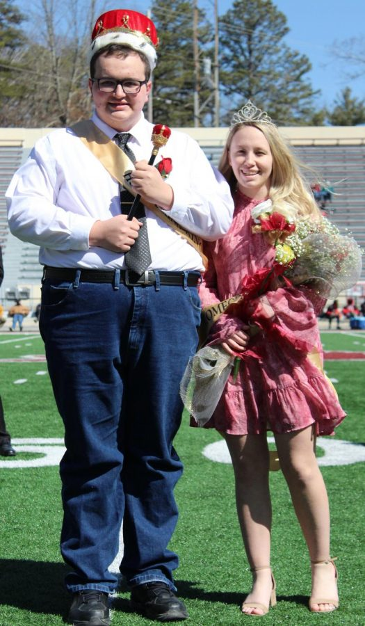 Seniors+Bradley+Tabor+and+Abby+Gasperson+were+crowned+Homecoming+King+and+Queen+at+the+first+home+football+of+the+season+on+March+6%2C+2020.