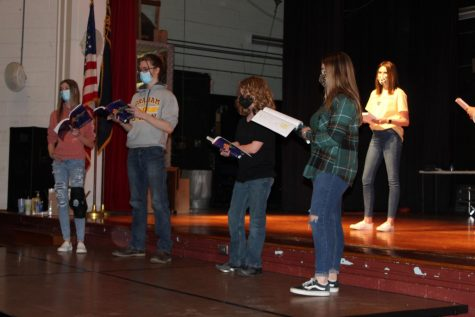 Students and staff prepare spring musical